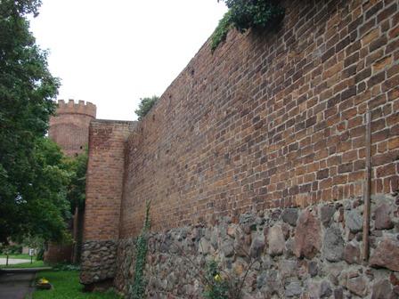 Fot.24 Pyrzyce mury